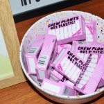 Protest-inspired identity for plastic-free chewing gum Nuud
